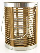 Lykta med träribbor, hög glascylinder i